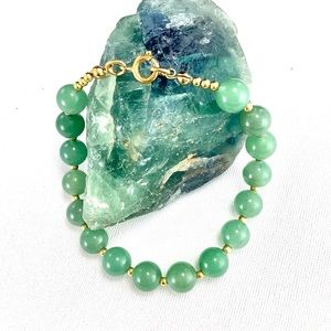 Jade Beaded Bracelet With Gold Tone Accents